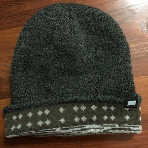 Beautiful Giant Gray beanie hat with green pattern